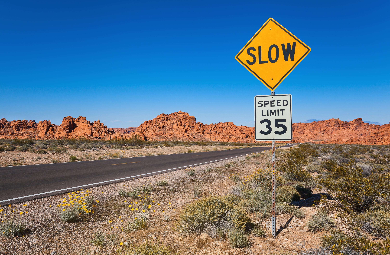 スマホの速度制限はイライラしすぎて死ぬ