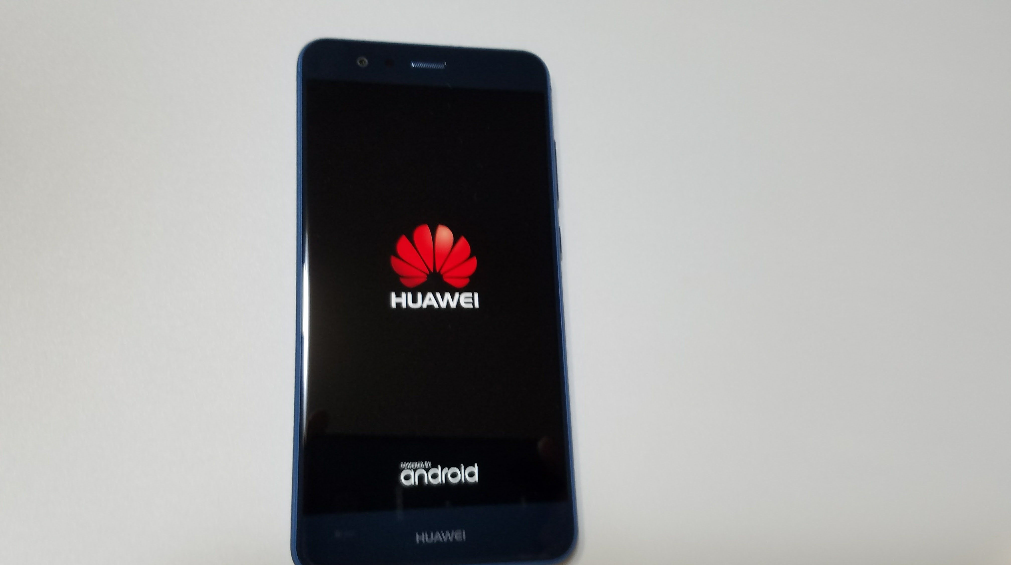 「HUAWEI P10 lite」がUQモバイル口座振替のSIMカードで起動
