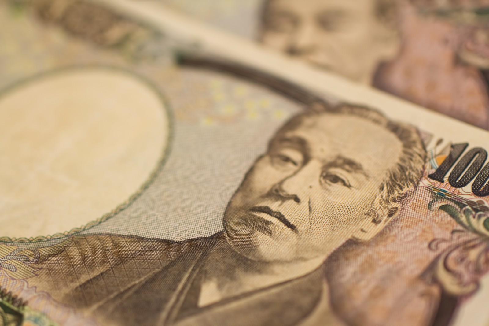 大手キャリアに1万円払っても格安SIMに乗り換えたほうがお得!
