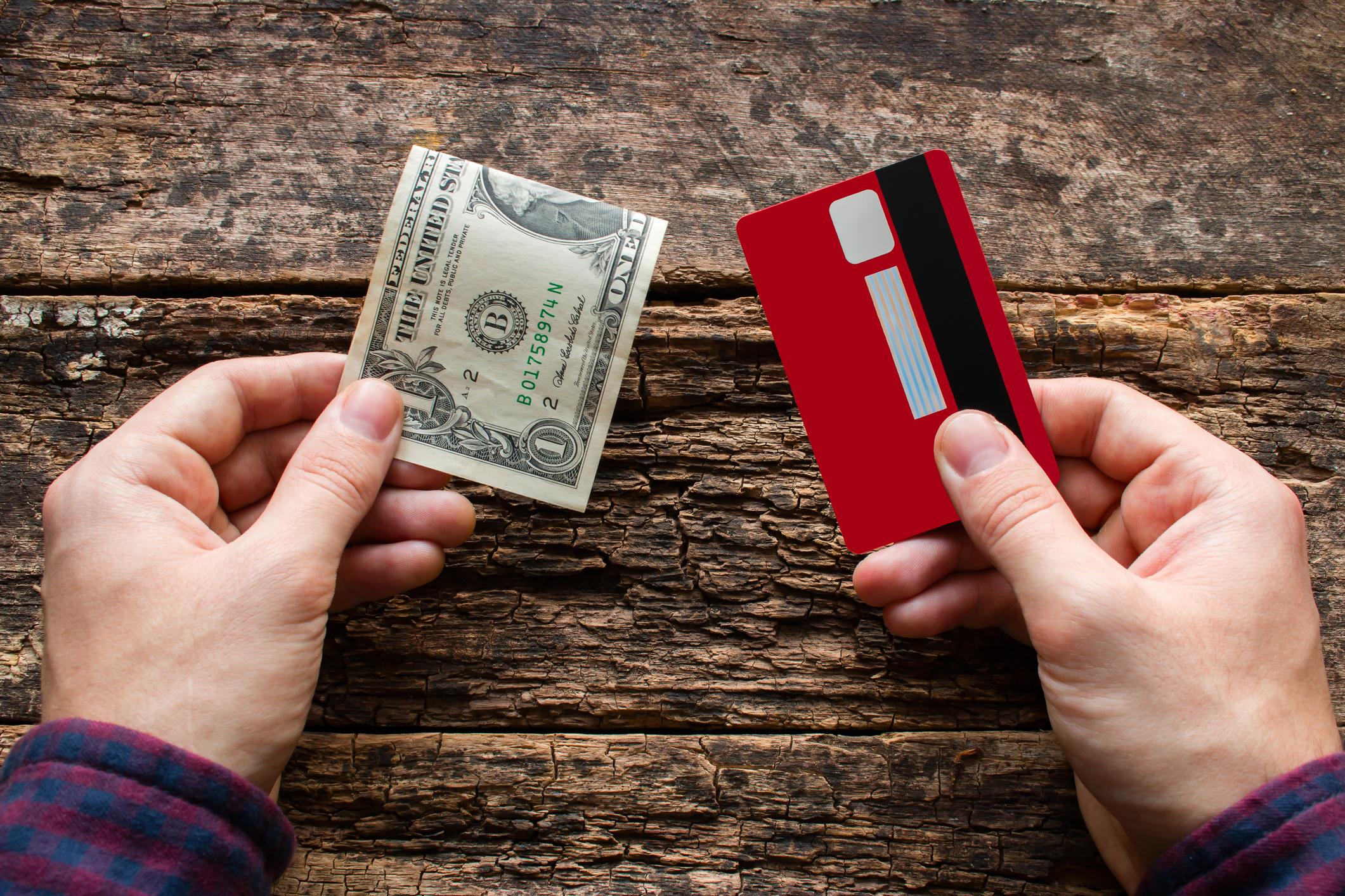 クレジットカードがない場合の格安SIM会社はどこを選ぶ?